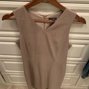 Theory fitted dress wool size 6 used